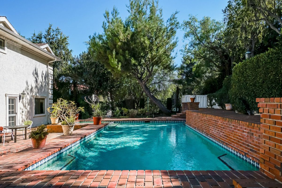 9860-Gloucester-Dr-74Pool2